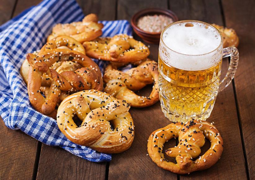 חתונה במבשלת בירה, פרצ'לים,כרוב כבוש, נקניקיות
